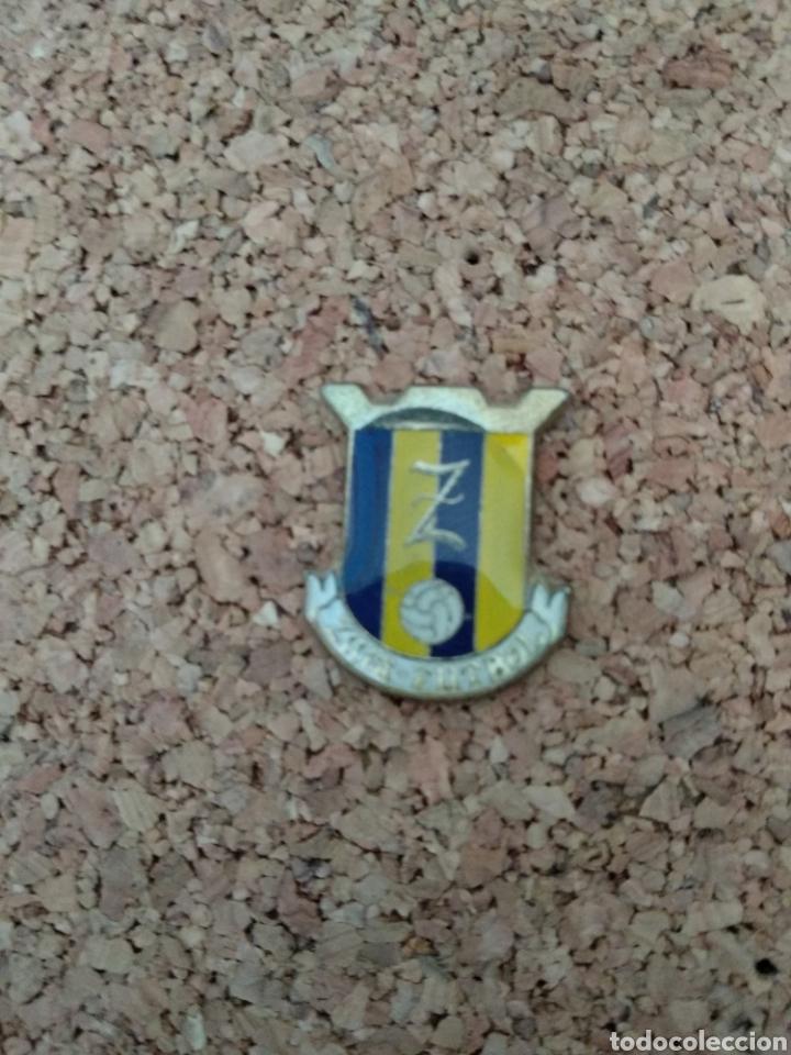 PIN FUTBOL ZUIA ÁLAVA (Coleccionismo Deportivo - Pins de Deportes - Fútbol)