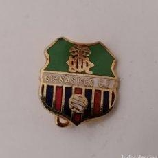 Coleccionismo deportivo: VALENCIA. GIMNASTICO, CF. PIN DE ALFILER. Lote 214456242