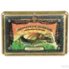 Coleccionismo deportivo: 1957 PIN INAUGURACIÓN DEL ESTADIO DEL BARÇA, EL CAMP NOU. Lote 214959130