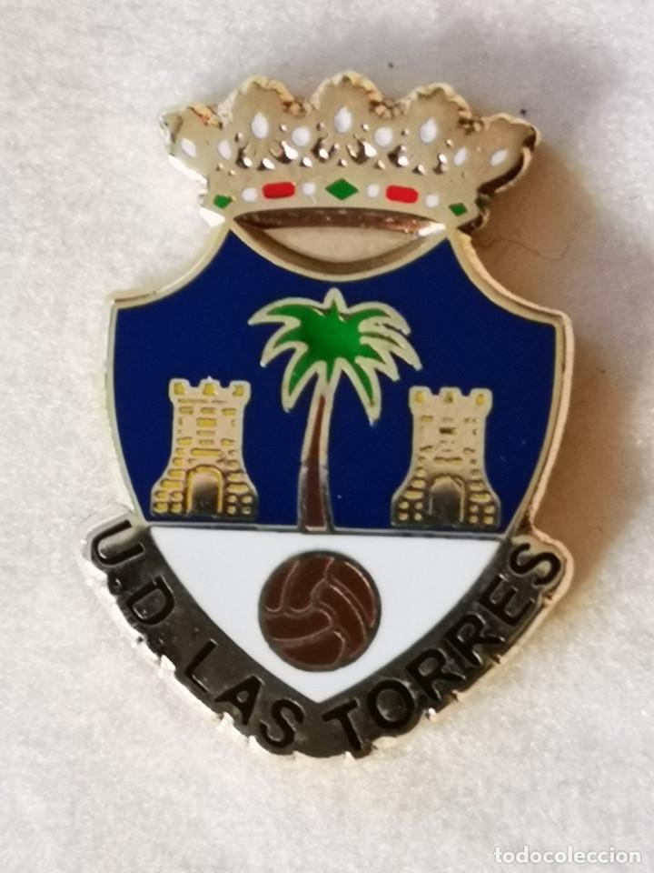 PIN FUTBOL - GRAN CANARIA - LAS PALMAS - UD UD LAS TORRES (Coleccionismo Deportivo - Pins de Deportes - Fútbol)