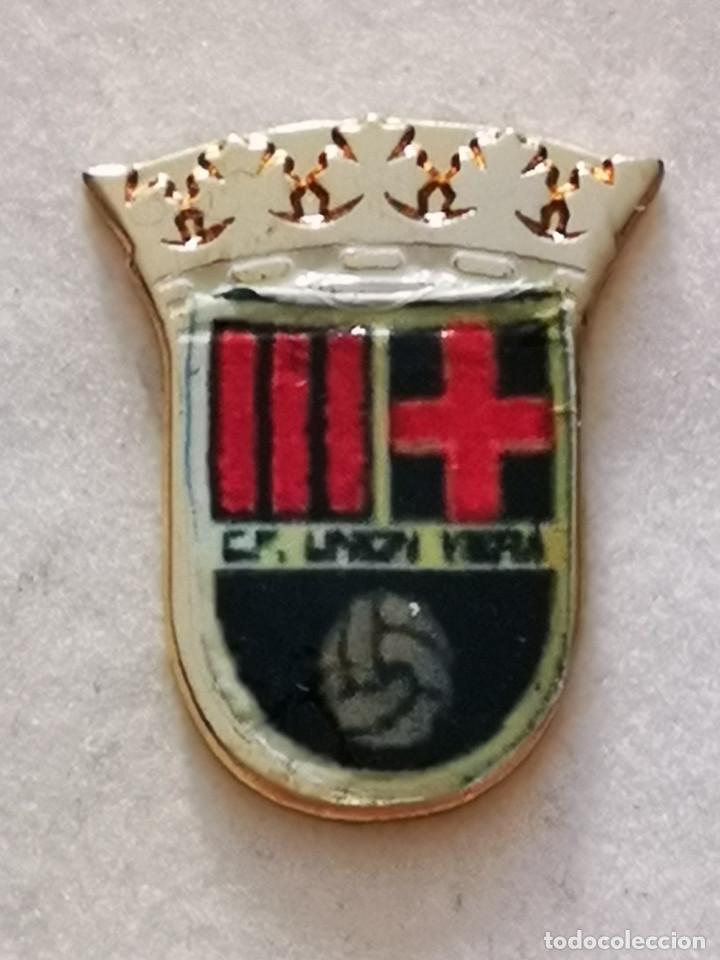 PIN FUTBOL - GRAN CANARIA - LAS PALMAS - UNION VIERA (Coleccionismo Deportivo - Pins de Deportes - Fútbol)