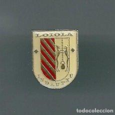 Colecionismo desportivo: INSIGNIA / PIN DE EQUIPO DE FÚTBOL - LOIOLA INDAUTXU CLUB (INSIGNIA OFICIAL). Lote 217559897