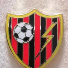 Coleccionismo deportivo: PIN FUTBOL - TENERIFE - SAN CRISTOBAL DE LA LAGUNA - CD RAYO - ESMALTADO. Lote 218450841