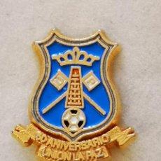 Coleccionismo deportivo: PIN FUTBOL - TENERIFE - SAN CRISTOBAL DE LA LAGUNA - UNION LA PAZ 50 ANIVERSARIO. Lote 218550595