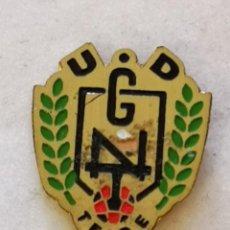 Coleccionismo deportivo: PIN FUTBOL - TENERIFE - SAN CRISTOBAL DE LA LAGUNA - UD GENETO TEIDE. Lote 218550725
