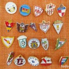 Colecionismo desportivo: 20 PINS DE FÚTBOL. Lote 220175383