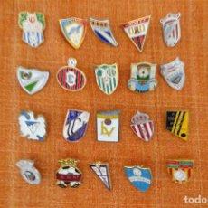 Coleccionismo deportivo: 20 PINS DE FÚTBOL. Lote 220178135