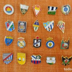 Colecionismo desportivo: 20 PINS DE FÚTBOL. Lote 220184588