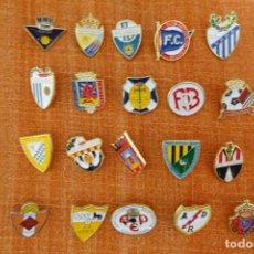 Coleccionismo deportivo: 20 PINS DE FÚTBOL. Lote 220185227