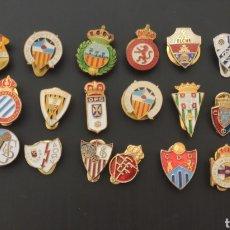 Colecionismo desportivo: ¡¡ LOTE DE PINS DE FUTBOL AÑOS 30 40 !!. Lote 220526141