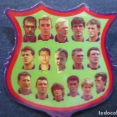 Coleccionismo deportivo: 98-PIN DEL BARÇA DREAM TEAM-PLANTILLA TEMPORADA 93/94 CON JOHAN CRUIFF Y RONALD KOEMAN. Lote 220615540