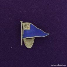 Colecionismo desportivo: INSIGNIA DE OJAL DE PLATA DEL NUEVO CLUB DE VITORIA DE FUTBOL (ESCUDO PARECIDO DEL ALAVES). AÑOS 30. Lote 220662580