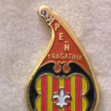 Coleccionismo deportivo: PIN FUTBOL - HUESCA - FRAGA - PEÑA FRAGATINA. Lote 220805443
