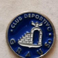 Coleccionismo deportivo: PIN FUTBOL - HUESCA - GRAUS - CD GRAUS. Lote 220805555