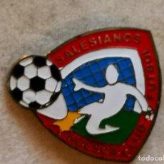 Coleccionismo deportivo: PIN FUTBOL - HUESCA - CF SALESIANOS. Lote 220806670