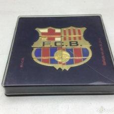 Coleccionismo deportivo: CAJA CON 8 PINS BARÇA FORMANDO EL ESCUDO - BAÑADO EN ORO DE 24 K. Lote 220875967