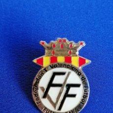 Coleccionismo deportivo: PIN FEDERACION VALENCIANA DE FUTBOL SALA. Lote 220877198