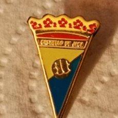 Coleccionismo deportivo: PIN FUTBOL - HUESCA - JACA - CF CASTILLO DE JACA. Lote 220925188