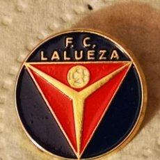 Coleccionismo deportivo: PIN FUTBOL - HUESCA - LALUEZA - FC LALUEZA. Lote 220926111