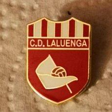 Coleccionismo deportivo: PIN FUTBOL - HUESCA - LALUENGA - CD LALUENGA SALAS ALTAS. Lote 220926690