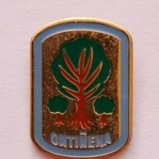 Collezionismo sportivo: PIN FUTBOL - HUESCA - ONTIÑENA - ONTIÑENA CF. Lote 221010450