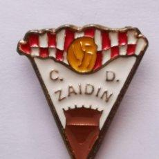 Collezionismo sportivo: PIN FUTBOL - HUESCA - ZAIDIN - CD ZAIDIN. Lote 221012218