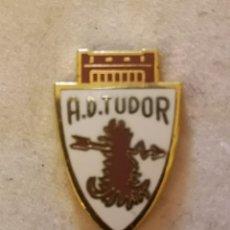 Coleccionismo deportivo: PIN FUTBOL - ZARAGOZA - AD TUDOR. Lote 221062490