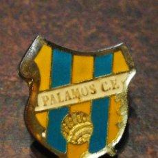 Coleccionismo deportivo: PIN FÚTBOL PALAMÓS C. F., ESMALTADO.. Lote 221398313