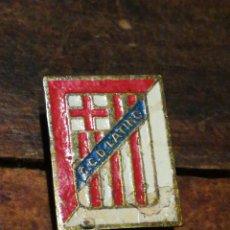 Coleccionismo deportivo: ANTIGUO PIN FÚTBOL C. C. D. LATINO (BARCELONA). DIFÍCIL!!!. Lote 221401588