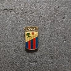 Colecionismo desportivo: PIN C.D. JUAN GRANDE - SAN BARTOLOMÉ DE TIJARANA ( GRAN CANARIA). Lote 221427625