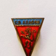 Colecionismo desportivo: PIN FUTBOL - ZARAGOZA - CD ARAGON - SOLAPA - AÑOS 60. Lote 221522815