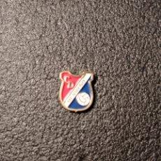 Coleccionismo deportivo: PIN C.D. MEJOREÑO - MEJORADA DEL CAMPO (MADRID). Lote 221844912