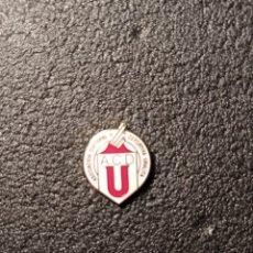 Coleccionismo deportivo: PIN A.D.C. URALITA - MADRID. Lote 221845255