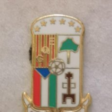 Coleccionismo deportivo: PIN FUTBOL - ZARAGOZA - REAL BANTU GQE. Lote 221984565