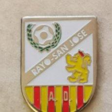 Coleccionismo deportivo: PIN FUTBOL - ZARAGOZA - AD RAYO SAN JOSE. Lote 221984656