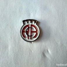 Coleccionismo deportivo: PIN FUTBOL- REAL CLUB ARENA - VEGA DE ESPINAREDA (LEON). Lote 222000197