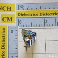 Coleccionismo deportivo: INSIGNIA ALFILER DE SOLAPA DE DEPORTES. FÚTBOL. CLUB DEPORTIVO MÁLAGA. NO PIN. Lote 222075563