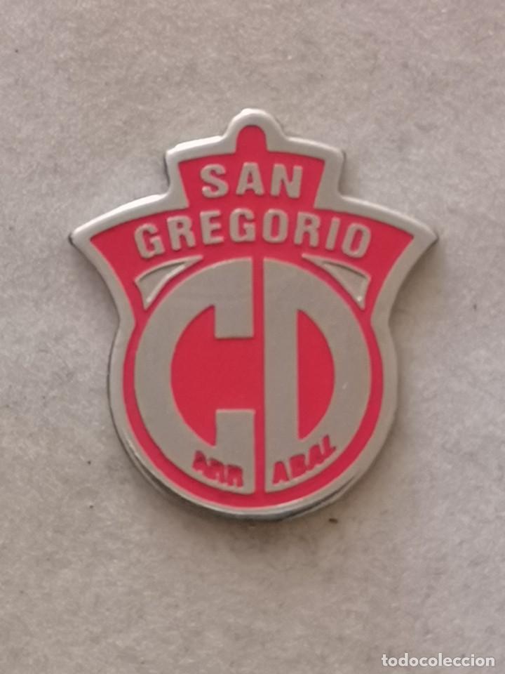 PIN FUTBOL - ZARAGOZA - CD SAN GREGORIO ARRABAL (Coleccionismo Deportivo - Pins de Deportes - Fútbol)