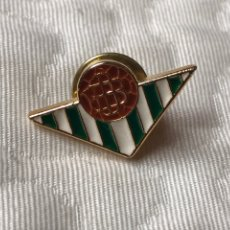 Coleccionismo deportivo: PIN REAL BETIS. Lote 222226593