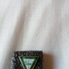Coleccionismo deportivo: PIN EQUIPO DE FÚTBOL CENTRO DEPORTIVO BADIA, BADIA DEL VALLÈS. Lote 222663283