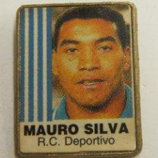 Coleccionismo deportivo: PIN MAURO SILVA R.C.DEPORTIVO. Lote 222699065