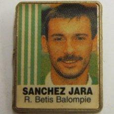 Coleccionismo deportivo: PIN SANCHEZ JARA REAL BETIS. Lote 222743026