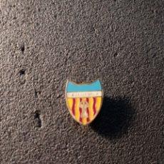 Collezionismo sportivo: PIN C.D.C. TORREFORTA - TORREFORTA (TARRAGONA). Lote 226172740