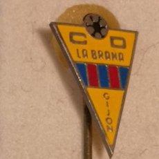 Collectionnisme sportif: PIN FUTBOL - ASTURIAS - GIJON - CD LA BRAÑA - ALFILER. Lote 226979055
