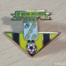 Collectionnisme sportif: PIN PINS FUTBOL C.F. BAENA ATLETICO (JAEN). Lote 226989850