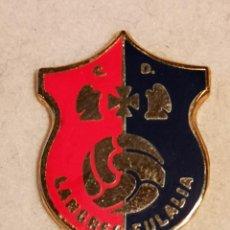 Collezionismo sportivo: PIN FUTBOL - ASTURIAS - LANGREO - CD EULALIA. Lote 227667370