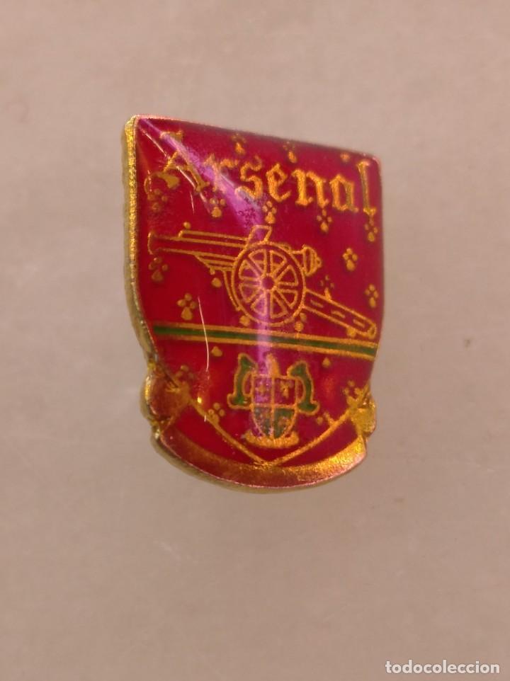 ANTIGUO PIN DE FÚTBOL ARSENAL (Coleccionismo Deportivo - Pins de Deportes - Fútbol)