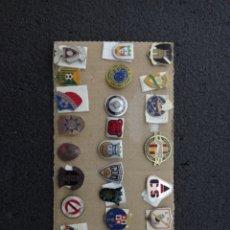 Coleccionismo deportivo: LOTE DE 25 INSIGNIAS DE PORTUGAL. Lote 232529645
