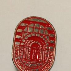 Coleccionismo deportivo: PIN UNIÓ ESPORTIVA PORQUERES ( GIRONA). Lote 233884400