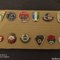 Coleccionismo deportivo: LOTE DE 12 INSIGNIAS DE POLONIA. Lote 235339620